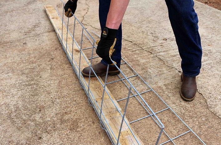 bending livestock panel