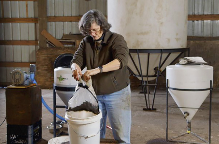 Dr. Elaine Ingham making compost extract