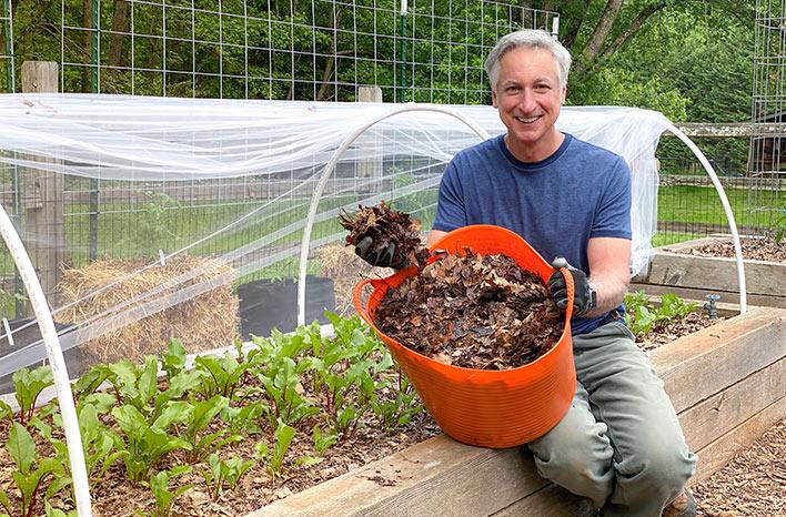 Joe Lamp'l using leaves as mulch